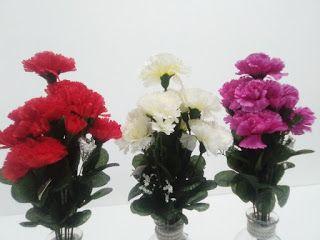 http://ift.tt/2c5OvXZ  Ramo clavel en rojo blanco purpura y rojo.