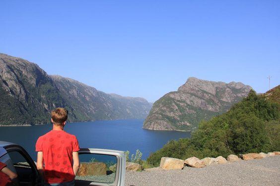 Une escapade de cinq jours dans le sud de la Norvège, à zigzaguer entre les fjords de Stavanger à Bergen. Une introduction estivale aux paysages grandioses de la Norvège!
