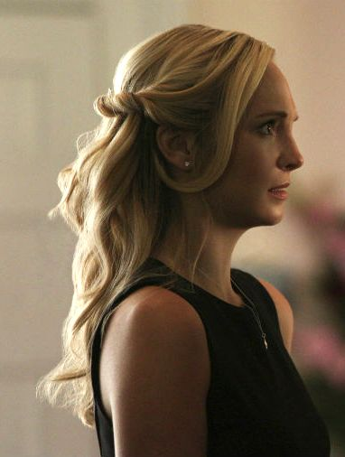 Caroline Forbes' hair at her Sheriff Forbes' funeral.