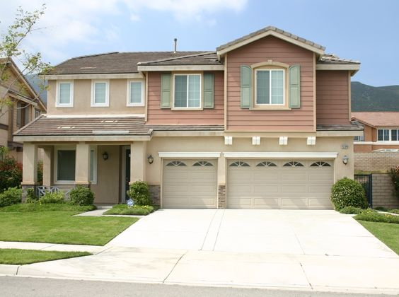 15204 Honey Pine Ln., Fontana, CA 92336  Single Family House 4BR,3BTH, 3CG #Forrent #fontanarentals #homesforrent #fontanahomesforrent #rentals #propertymanagement