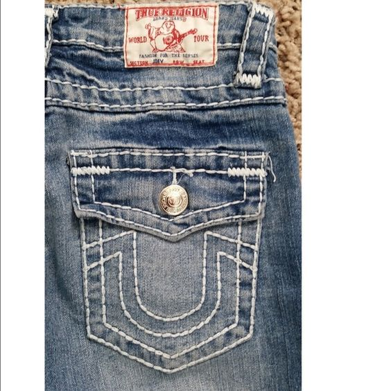 True Religion Light blue flare jeans True Religion size 26. Light blue jean flair bottom with white stitching. Great condition only worn a few times. And yes of course authentic. True Religion Jeans Flare & Wide Leg