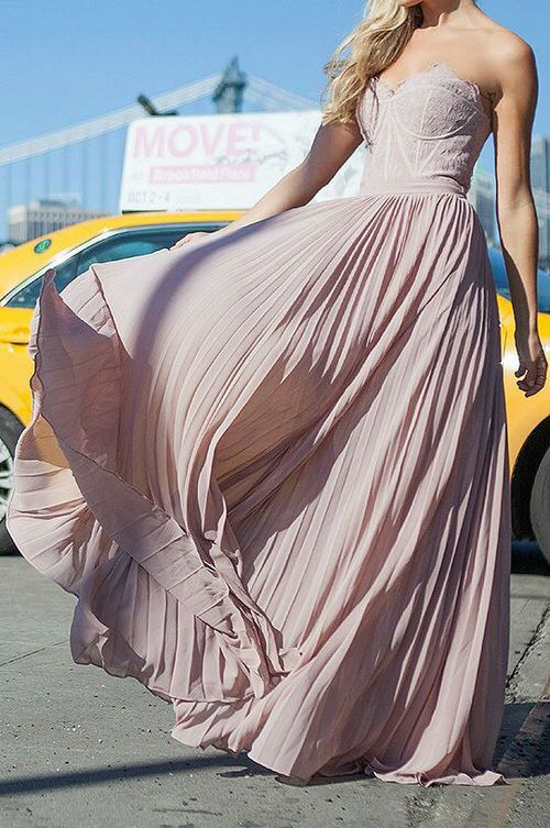 Gorgeous pink chiffon dress! Prom dress goals: