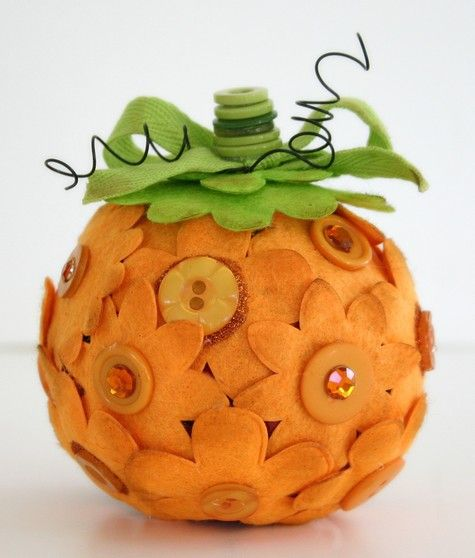 pumpkin felt & buttons