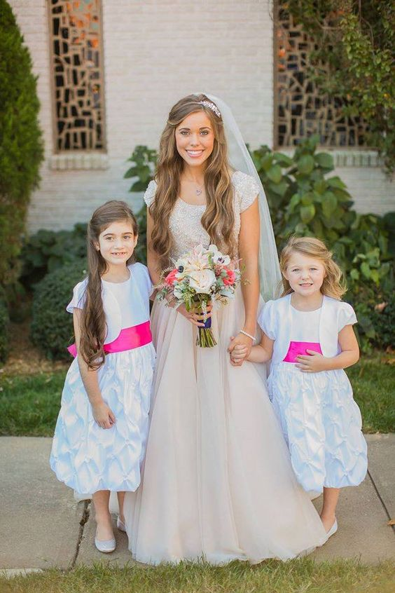 Jessa with faith and jordan the duggars pinterest for Jessa duggar wedding dress
