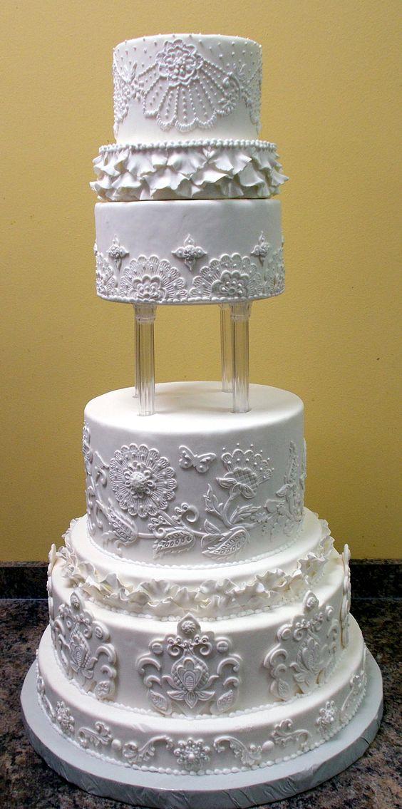 Jacobean style wedding cake