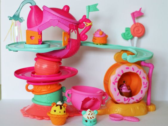 Num Noms: Cute, Scented, Collectible Characters {Review}: