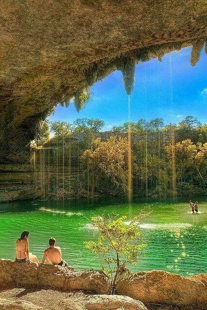 The lagon Hamilton pool Texas