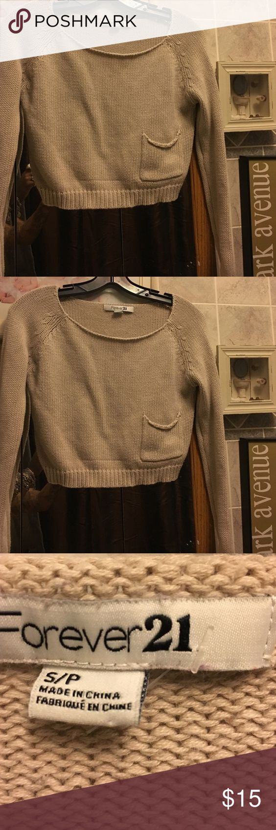 Forever 21 sweater It's pre owned in great condition!! It's cropped!!! Light taupe color. Forever 21 Sweaters Crew & Scoop Necks