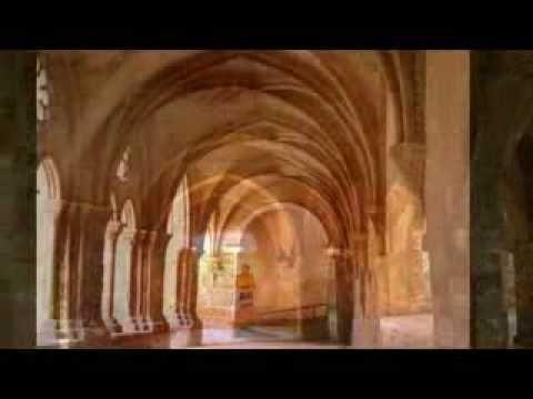 ▶ Cantos Gregorianos - YouTube