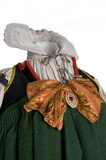 Museo del Traje. Madrid. Indumentaria popular. El museo custodia una importante colección de indumentaria tradicional popular procedente de toda España, formada por más de 5000 piezas. La colección ha crecido de manera significativa como un complemento indispensable de las series de etnografía que albergaba el Museo del Pueblo Español.