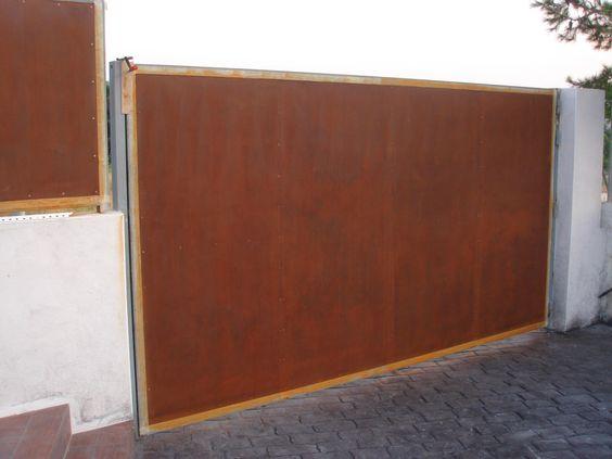 Oxidaci n de una puerta de corten con act cor gama - Acero corten ...
