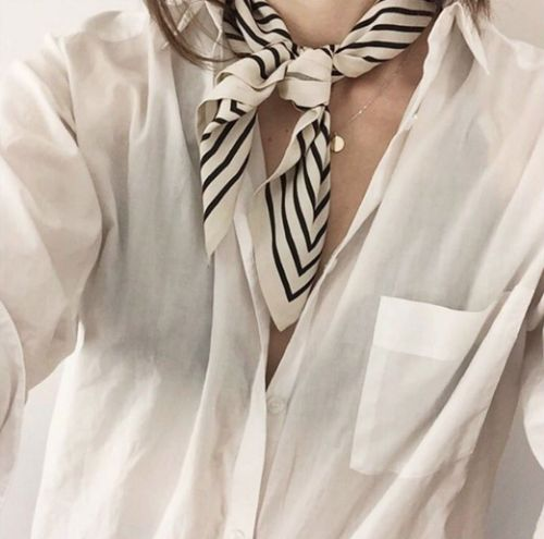Neck scarf and white shirt Super simple and cool: