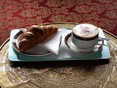 croissant and kaffee on pinterest
