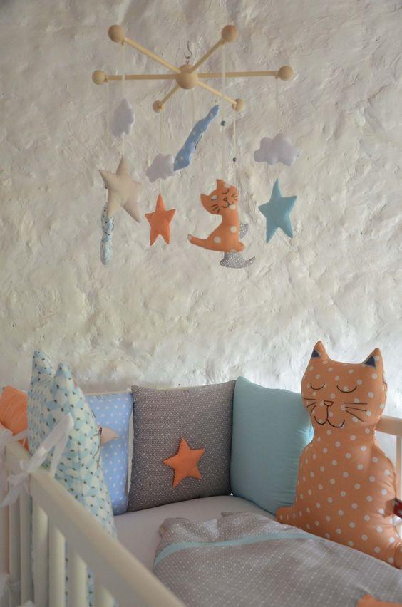 tour de lit chat brod main toile original pour b b. Black Bedroom Furniture Sets. Home Design Ideas
