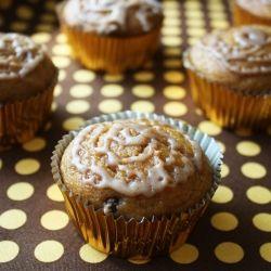 Vegan Pumpkin Chocolate Chip Cupcakes with Cinnamon Icing.