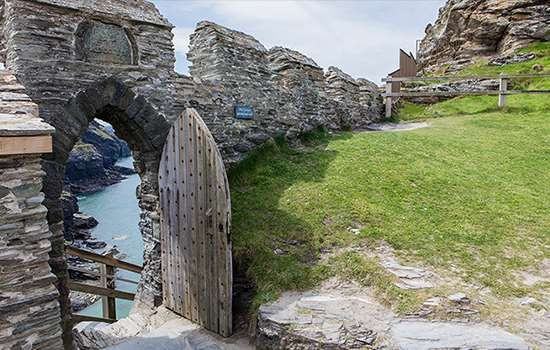 Tintagel Castle Things To See and Do   English Heritage   Castle ...