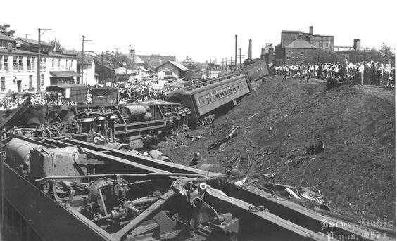 piqua ohio troop train derails at one oclock in the