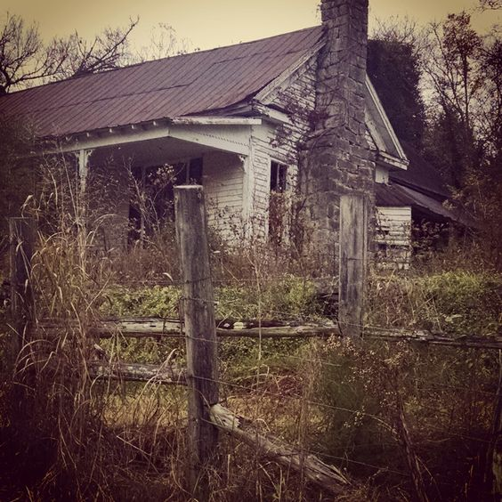 Fall in Tennessee #abandoned #abandonedplaces #amwriting #author #bookideas #KellyMartinBooks #books #research #inspiration  #photography