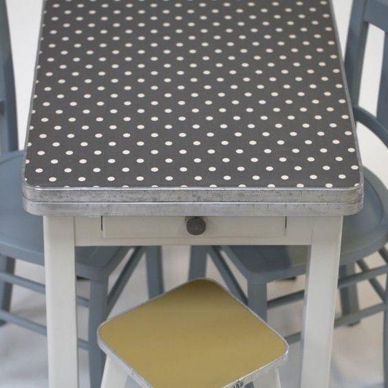 """Table années 50 """"Betty"""" - Rien à cirer #meuble #vintage"""