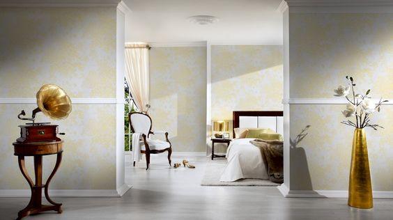 """Den """"WOW - Effekt"""" erhalten Sie mit dieser schönen weißen Tapete mit Goldakzenten aus der Kollektion """"Metallic Silk"""".  Architects Paper Tapete 306571"""