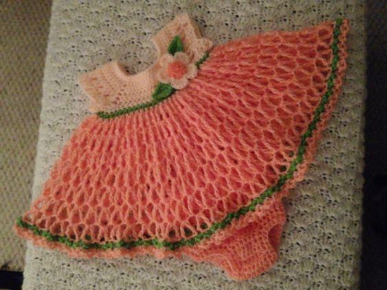 He encontrado este interesante anuncio de Etsy en https://www.etsy.com/es/listing/189011991/peach-and-coral-dress