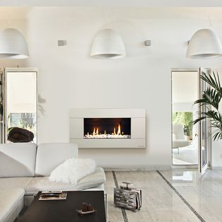 absolutely gorgeous gas fireplace