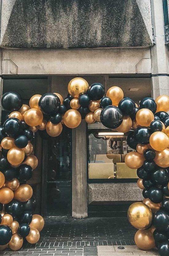 Arco De Bexiga Para Entrada Da Festa Feito Com Baloes Dourados E