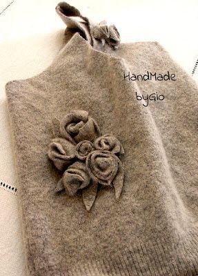 HandMade by Gio: novembre 2012 riciclare maglioni di lana infeltriti e non....e roselline con maglioni di lana