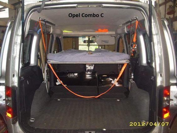 Schlafen im Opel Combo C (Bj. 2001 - 2011) | Bequem im Auto übernachten mit Auto-Himmelbett.de