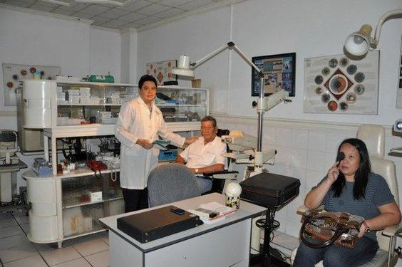 Sarabia Eye Clinic – Cataract Surgery Specialist Bacolod City http://www.bacolodcityguide.com/sarabia-eye-clinic-cataract-surgery-specialist-bacolod-city/