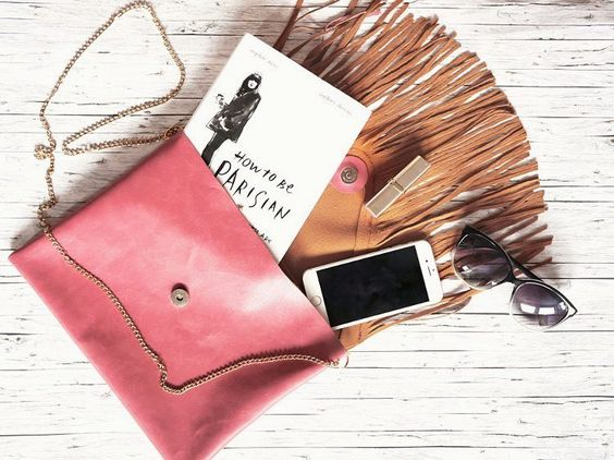 Kostenlose DIY Anleitung: Leder Clutch mit Fransen nähen / diy tutorial: sew a leather clutch with fringes via DaWanda.com