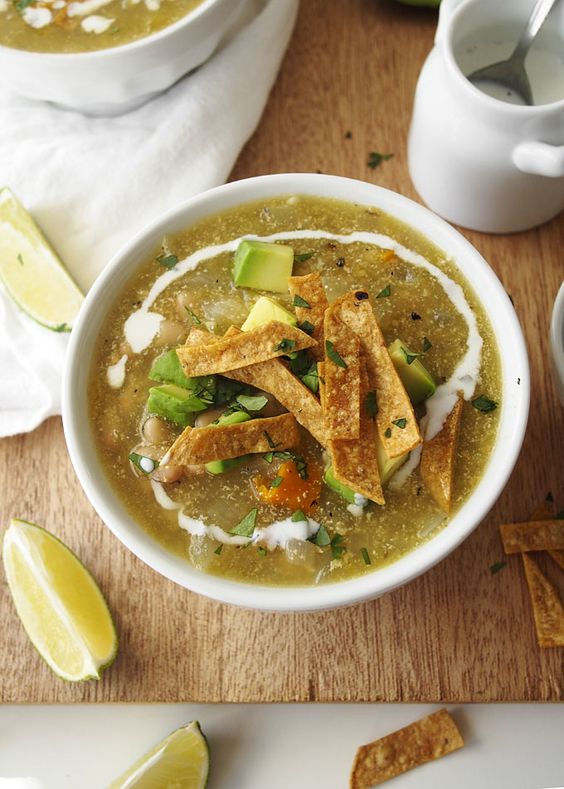 Roasted Tomatillo and White Bean Soup | thekitchenpaper.com