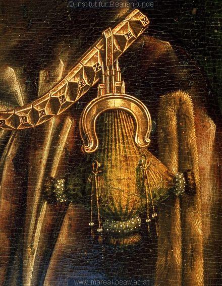Detail Anbetung der Könige Kunstwerk: Temperamalerei-Holz ; Einrichtung sakral ; Flügelaltar ; Passau(?) ; Mt:02:001-012 , Is:49:008-026 , Is:60:001-006 , Erscheinung:07:001-011 , Erscheinung:13:001-008 , Erscheinung:14:001-010  Dokumentation: 1480 ; 1490 ; Passau ; Deutschland ; Bayern ; Veste Oberhaus ; D 381  Anmerkungen: 167x94: