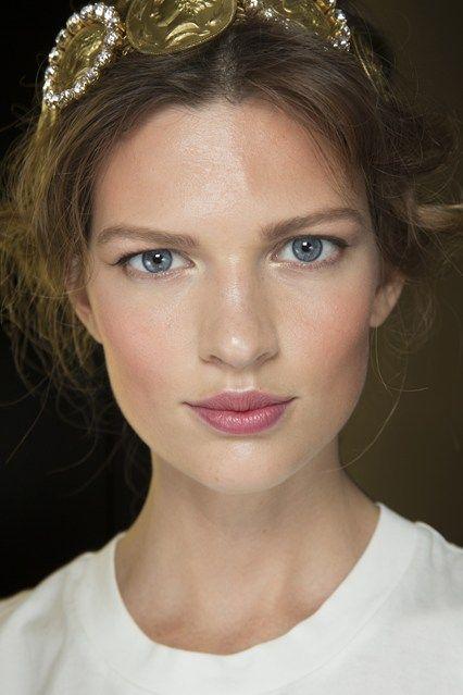 Backstage Beauty: Hair & Make-Up Spring Summer 2014. Dolce & Gabbana
