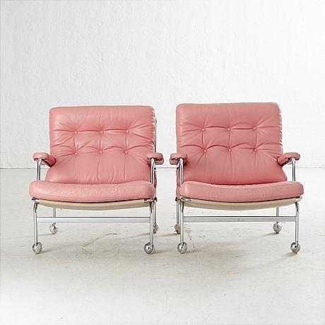 Sử dụng tone hồng tươi trẻ mà không bị sến với sofa da tphcm