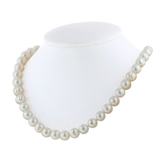 """Fink's Jewelers - Honora White Ringed Pearl 18"""" Necklace, $98.00 (http://finksjewelers.com/honora-white-ringed-pearl-18-necklace/)"""