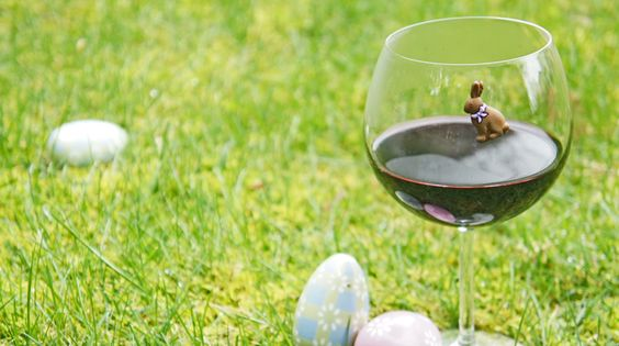 Celebrate #spring with these adorable Easter-themed #wine charms.  Features 2 chicks, 2 eggs, a basket and a chocolate bunny. Just $15!