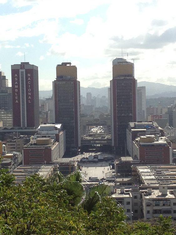 Urb. El Silencio. Ezequiel Zamora Park. Caracas. Venezuela.