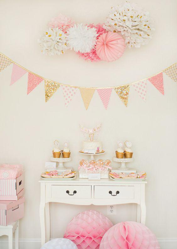 Decoração para a festa do pijama em tons de rosa e dourado. Charme puro!: