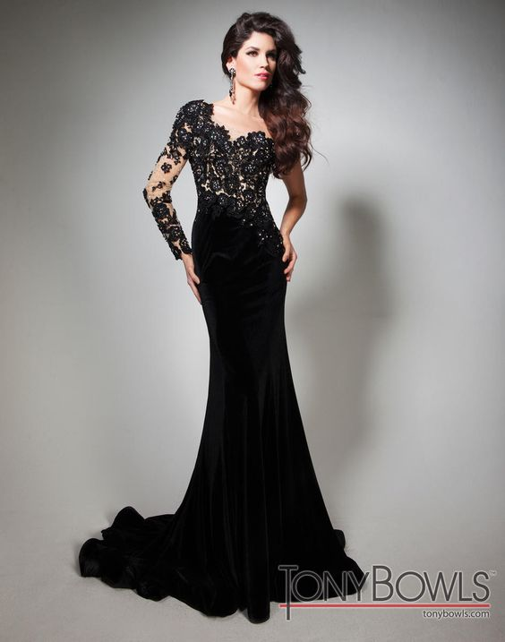 Tony Bowls 213C32, available in raeLynns.com Price is only $1,990!!! #womensfashion  #lacedress