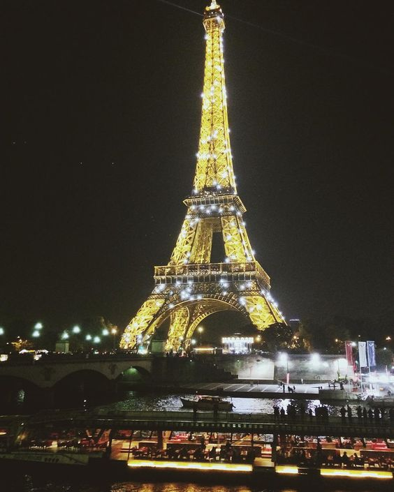 #eiffeltower by night by momeraz