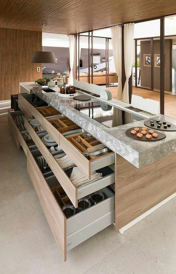 Ótima ideia para organizar louças e acessórios de cozinha!