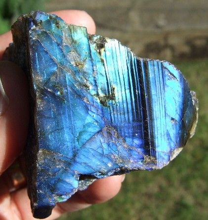 labradorite- It's a power stone, allowing you to see through illusions and determine the actual form of your dreams and goals. It is excellent for strengthening intuitions.