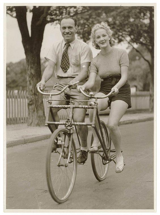 Stunning Vintage Photos of Early 1900s Australian Bike Culture  http://www.brainpickings.org/index.php/2012/02/22/vintage-australian-bike-culture/?utm_source=feedburner&utm_medium=feed&utm_campaign=Feed%3A+brainpickings%2Frss+%28Brain+Pickings%29