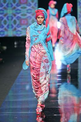 Hijab Style: islamic fashion show. this is my favorite color scheme.