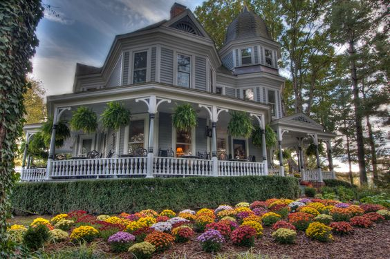 Biltmore Village Inn: A Luxurious and Romantic Asheville, NC Bed and Breakfast Inn - Stayed here August 2014: