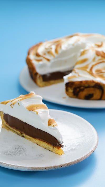 Tastemade: Cinnamon Roll Crust S'mores Pie ~ Recipe