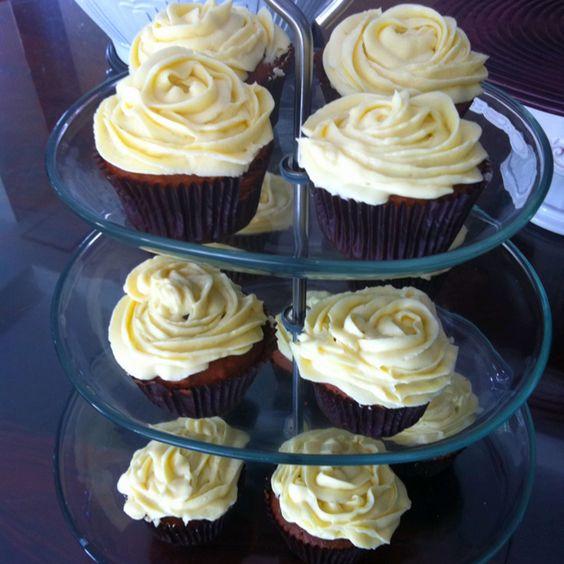 Chocolate Cupcake with Vanilla Cream Cheese Frosting by Karuna