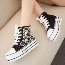 Resultado de imagen para moda de zapatos coreanos