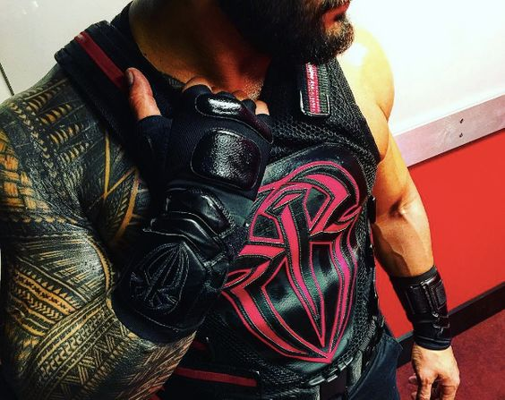 Roman in his cool new vest from Raw last night. Always armed with PLENTY of Superman Punches. <3